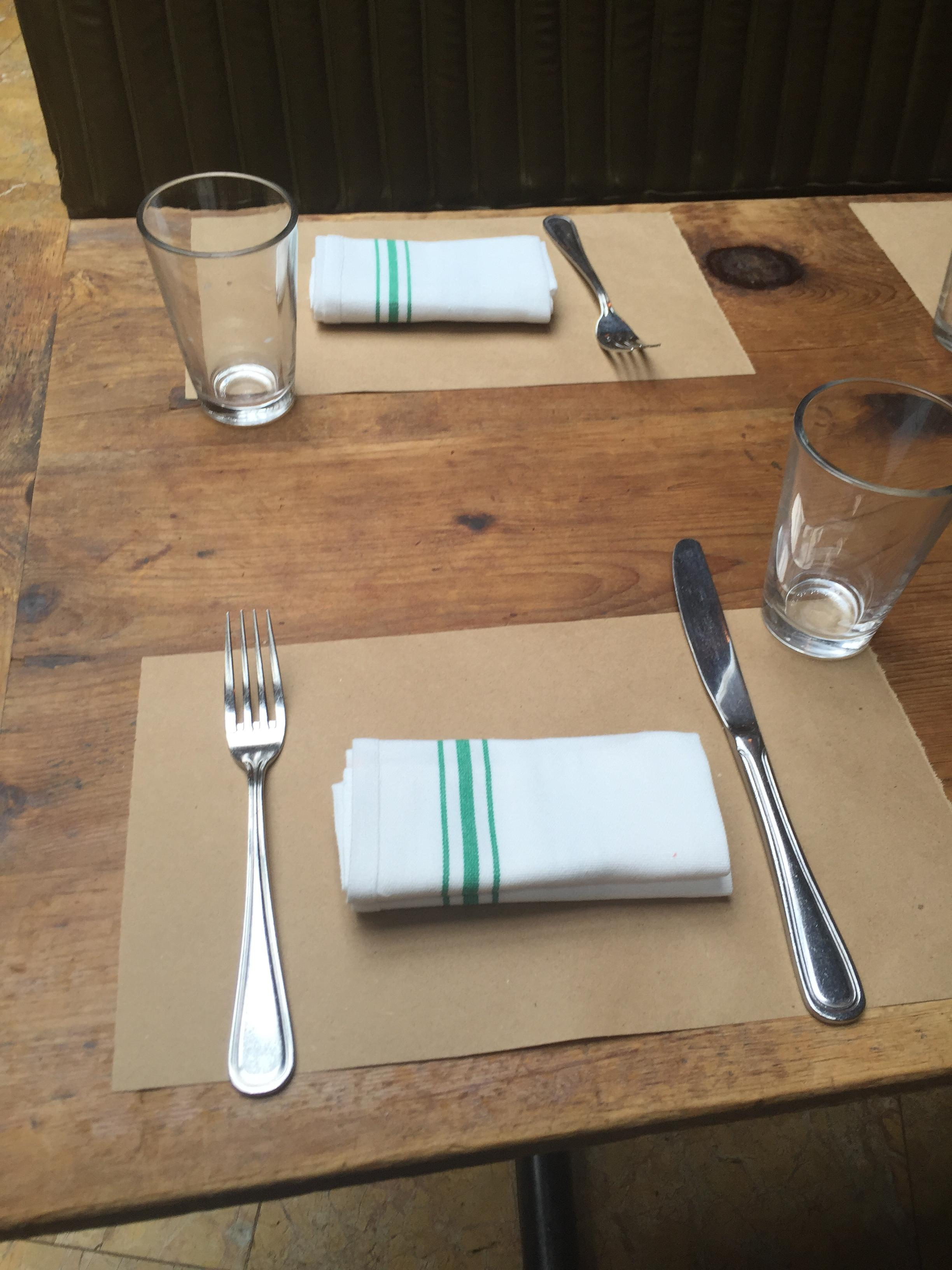 Why Natural Kraft Paper Complements the Farm-to-Table Movement